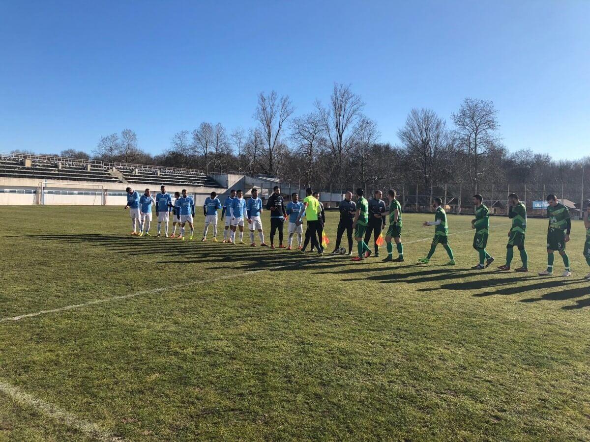 В морския курорт Албена футболистите на Балкан загубиха от Черноморец (Балчик) с 1:2.