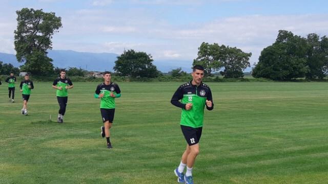 Петков подписа днес договор с Хебър и вече тренира с новите си съотборници.